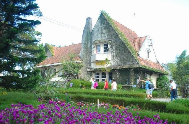 Khu Biệt Thự Cổ Pháp
