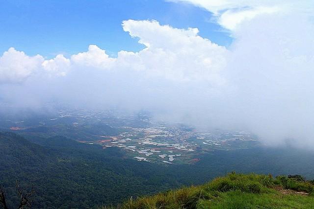 Nhìn từ đỉnh Lang Biang
