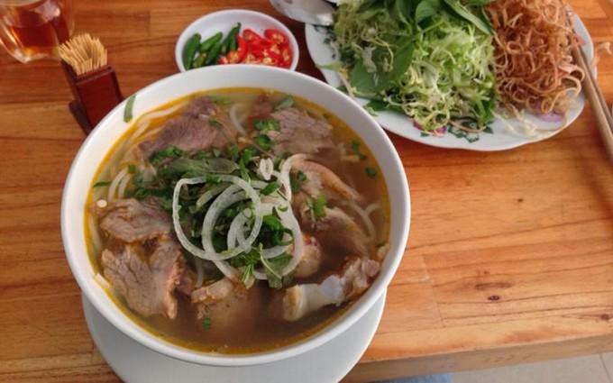 Lunch in Dalat - Bun Bo Hue in Dalat