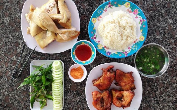 Lunch in Dalat - chicken rice dish in Dalat